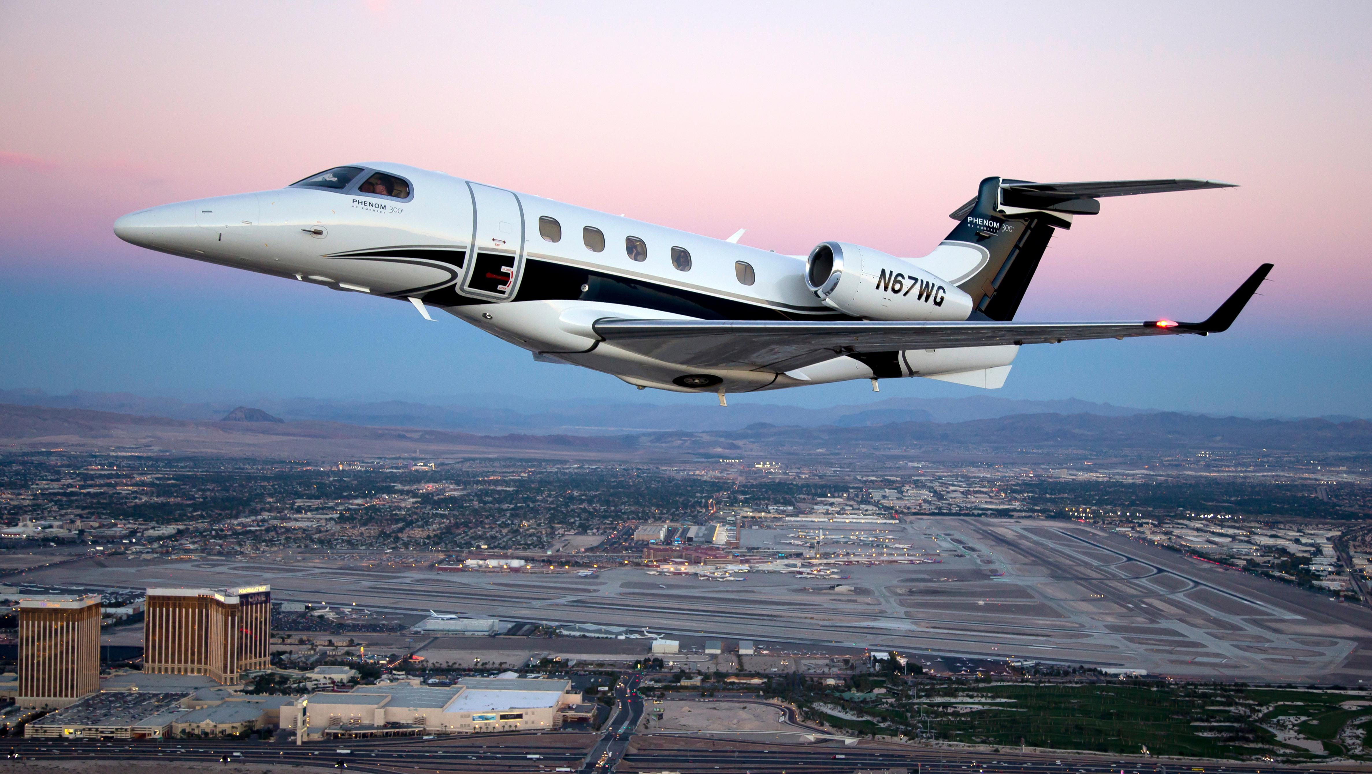 Phenom 300 N67wg Jet Clay Lacy Aviation